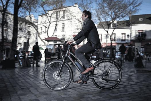Faire du vélo dans Paris