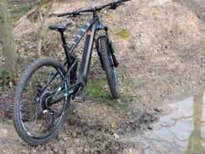 Vélo électrique tout-terrain Focus Jam2 à moteur Shimano Steps E-8000.